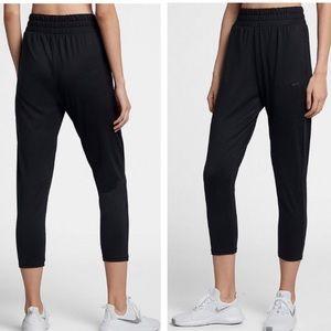 NWT Nike Flow Lux Loose Fit Crop Pants